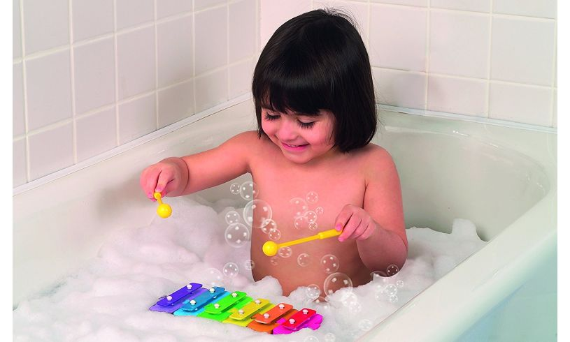 Tubtunes Symphony Kid in tub