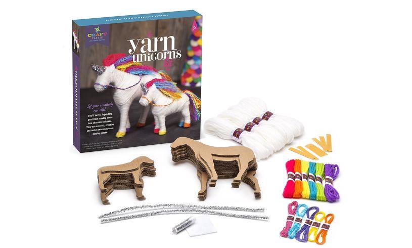 Contents of yarn unicorn kit
