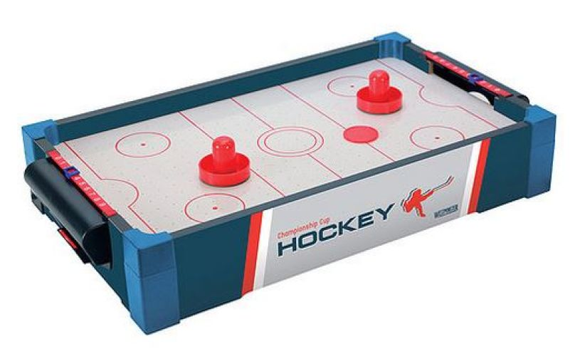 Charmant The Table Is Air Powered And Totally Ready To Go   All You Need To Do Is  Defend Your Goal And Thwack The Puck Into Theirs!