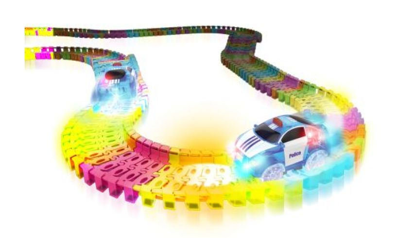 Dual Lane Twister Tracks Police Chase