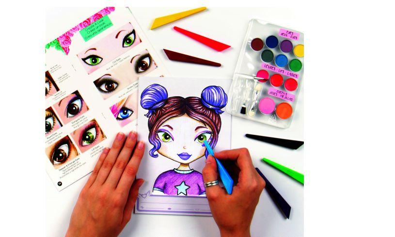 Make-up Artist Sketch Set Detail