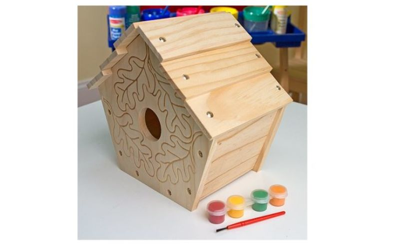 Build Your Own Birdhouse Detail