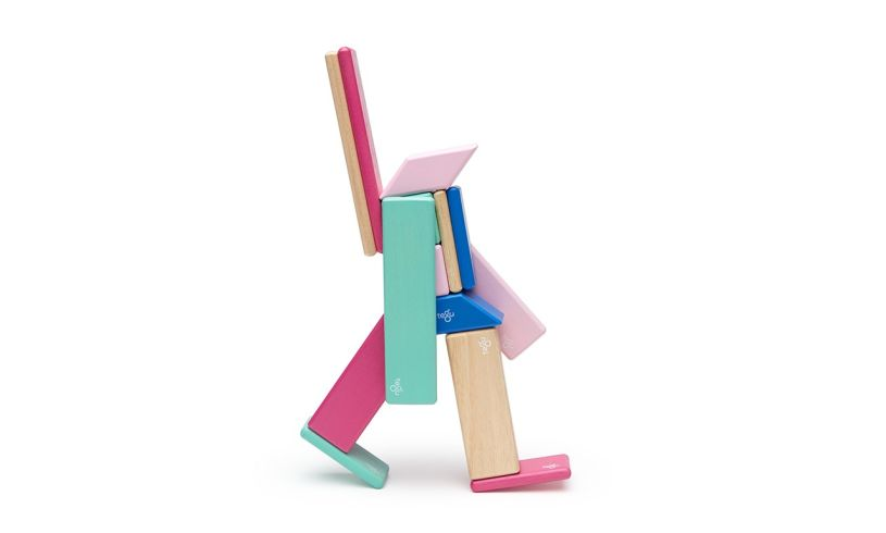 Tegu 14 Piece Magnetic Wooden Block Set Man