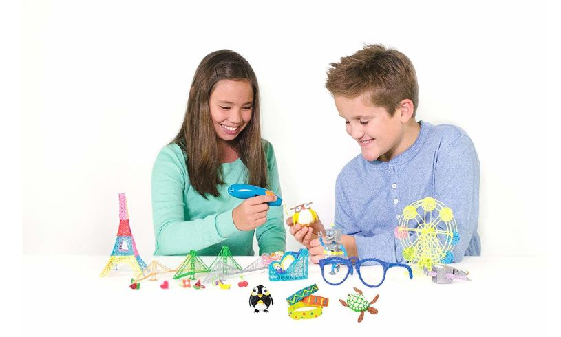 children making many things using 3d pen