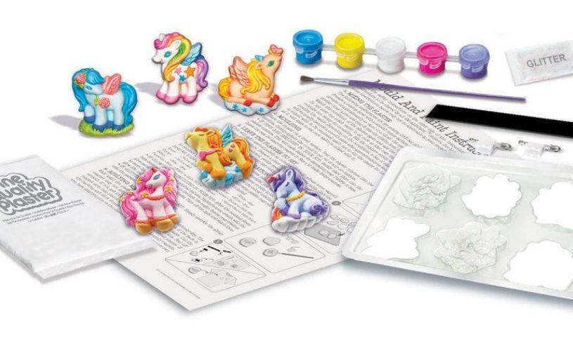 Mould & Paint Unicorns Contents