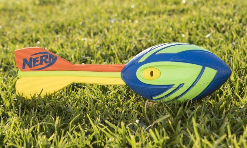 Nerf Mega Aero Howler - Throw it!